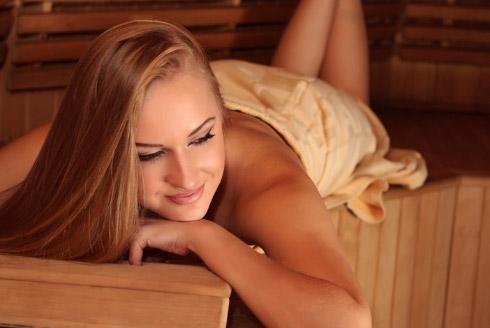 Женщина в бане: секреты красоты и молодости
