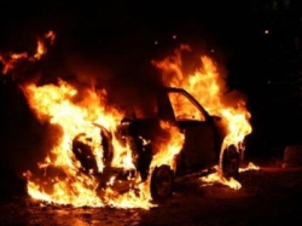 В Харькове ночью сожжен еще один автомобиль