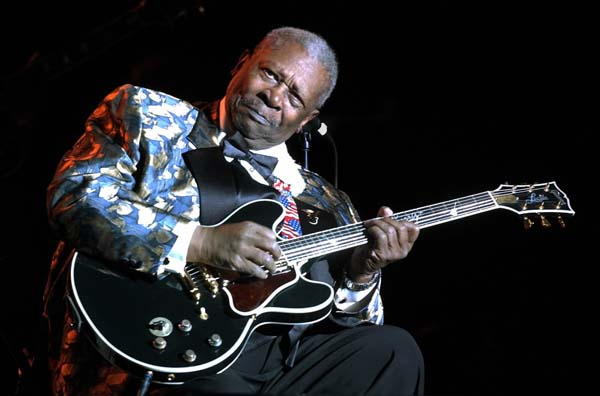 an analysis of the topic of the style of the electric guitar and vocals by b b king an american blue