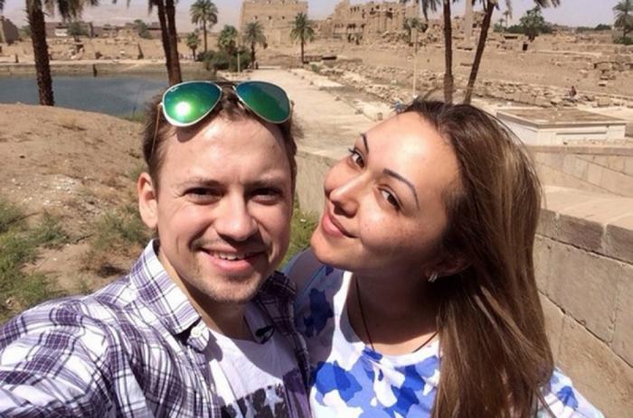 Актер «Универа» Андрей Гайдулян женится на актрисе «СашаТаня» Диане Очиловой