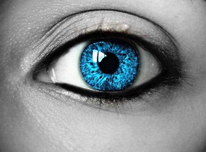 Ученые: склонность к алкоголизму зависит от цвета глаз