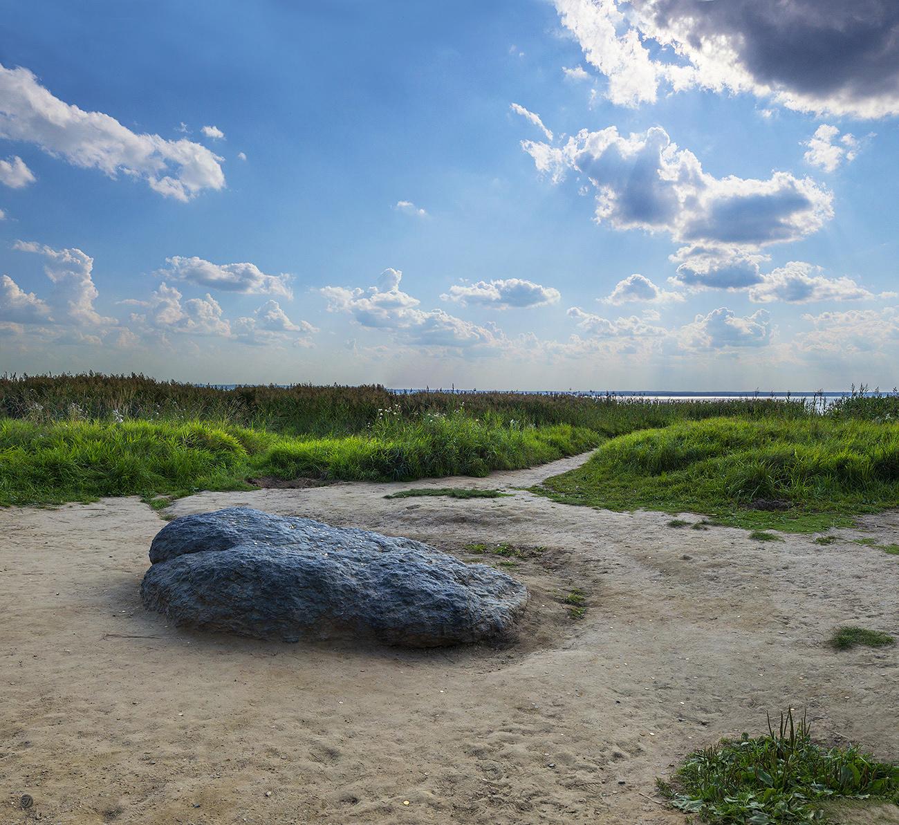 Верующие хотят лишить Переславль Синего камня