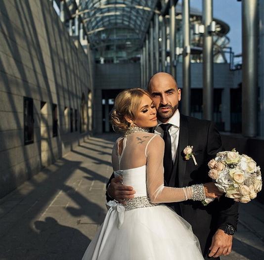 Анна Хилькевич поделилась с поклонниками фото со свадьбы