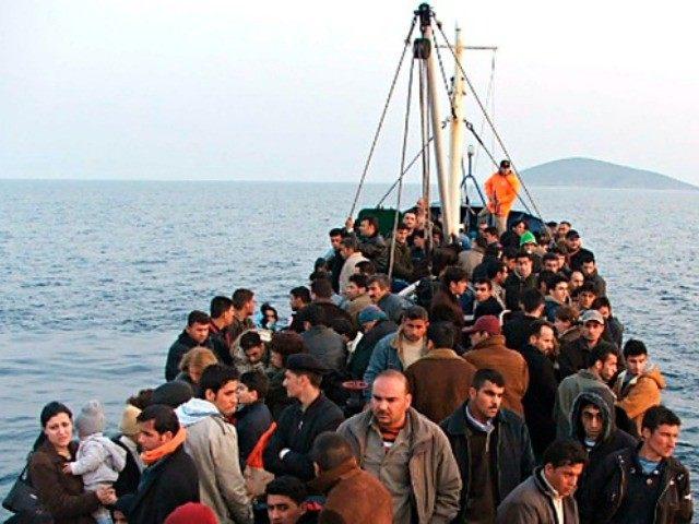 migrants to lesbos Reuters