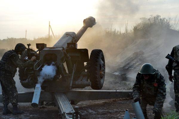 К Горловке стянуты танки, артиллерия и боевые вертолеты
