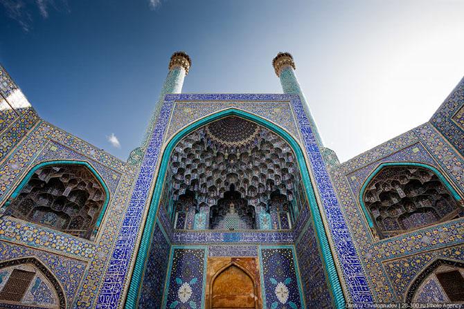 В Иране разбился неизвестный беспилотник