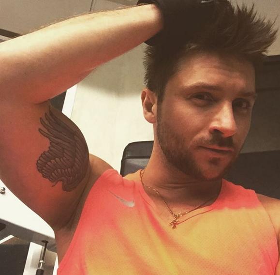 Сергей Лазарев хочет новую татуировку