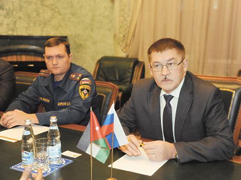 Замглавы МЧС найден с проломленным черепом на Славянской площади