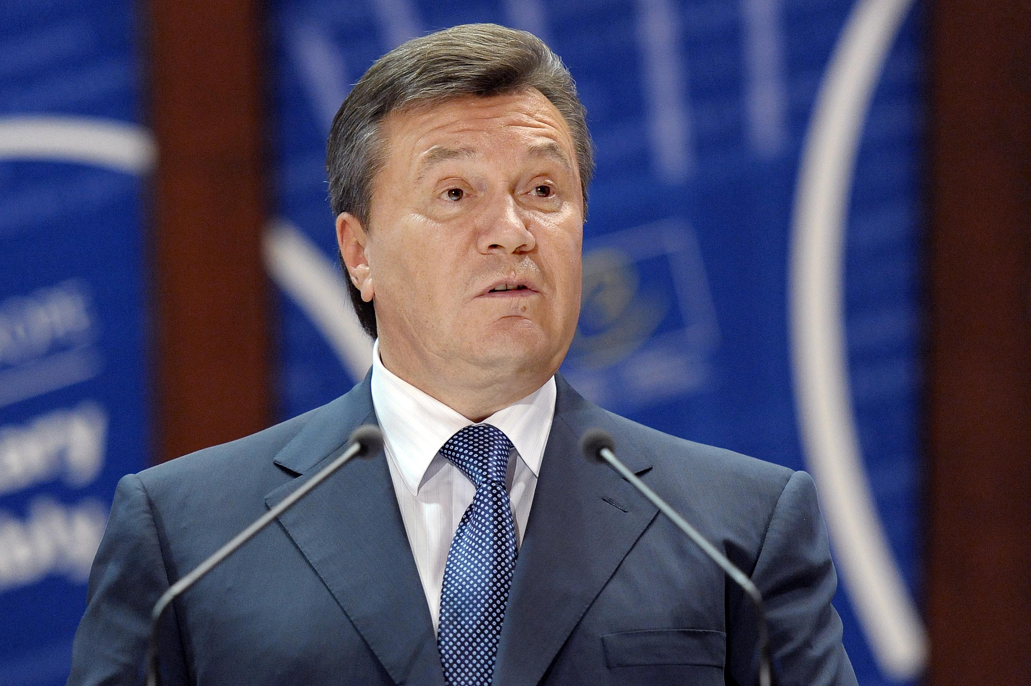 Янукович отказался от гражданства РФ