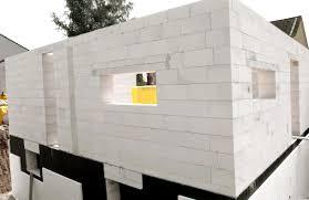 Преимущества строительства из пено- и газобетона