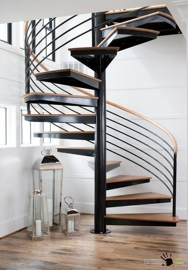 Много полезной площади + крутой дизайн – это винтовая лестница