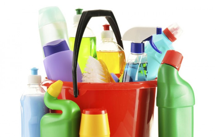 home-safety-tips-to-prevent-accidental-poisoning-e1442126857491