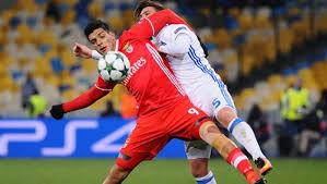 Футбольный матч между Арсеналом и Уфой