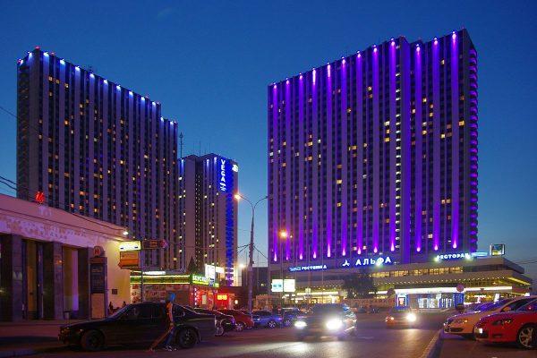 moscow_izmailovo_hotel_complex_evening_14575121847