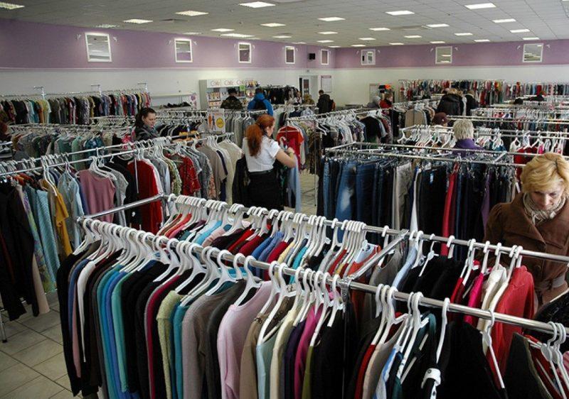 Большинство родите  мы говорим о магазине, торгующем в розницу, то есть взаимодействующем с физическими лицами.