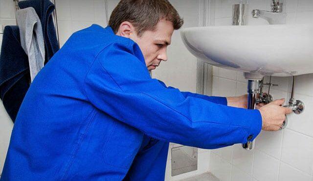 Как вызвать профессионального сантехника на дом