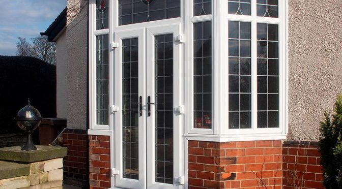 Что вызывает конденсацию на окнах в доме
